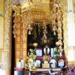 Insidan av ett tempel